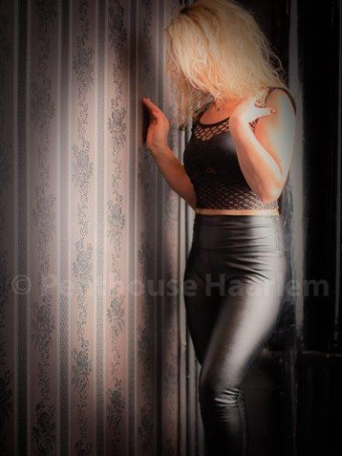 Nicole nu bij privehuis Penthouse privé Haarlem in Haarlem - Foto: 4
