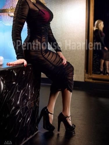 Danielle nu bij privehuis Penthouse privé Haarlem in Haarlem - Foto: 5